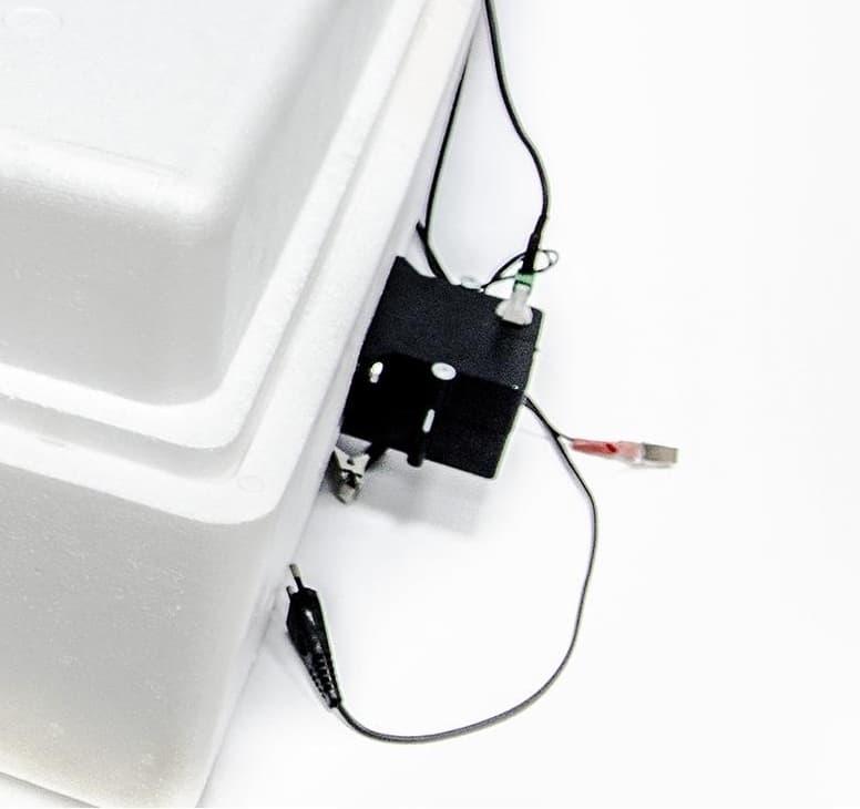 Инкубатор Несушка 104 яйца 220/12 В, автомат. пов., цифр. терм.,гигрометр, арт.64г - фото 5517